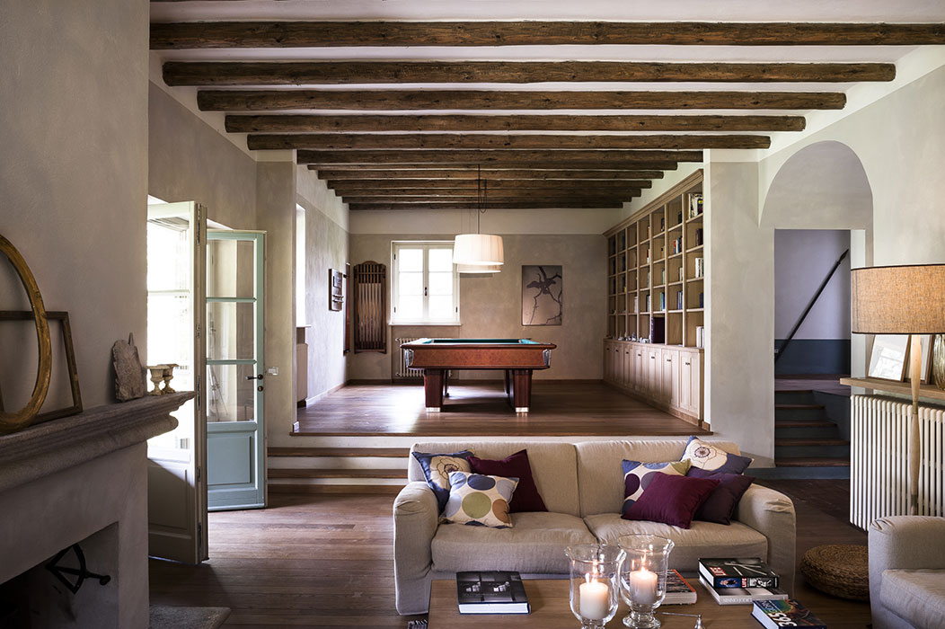 Salotto Con Camino Pietra Viva E Veranda Interior Design : Arredare ...
